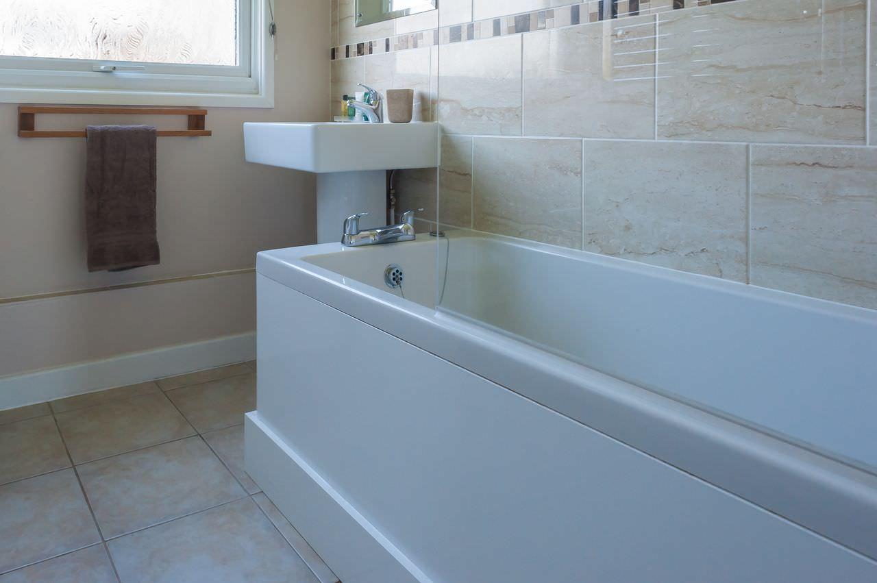 Nice Over The Bath Shower Crest - Bathtub Design Ideas - klotsnet.com